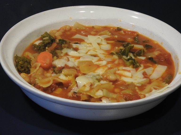 Pasta Fagoli Soup with Kale