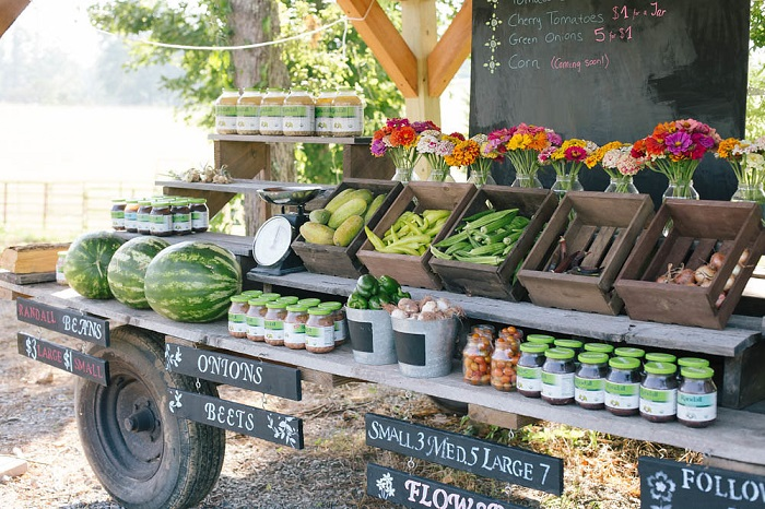 Farm Stand side